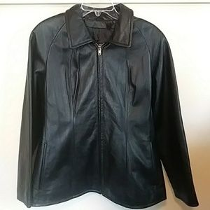 Super cute Zip up Leather Jacket